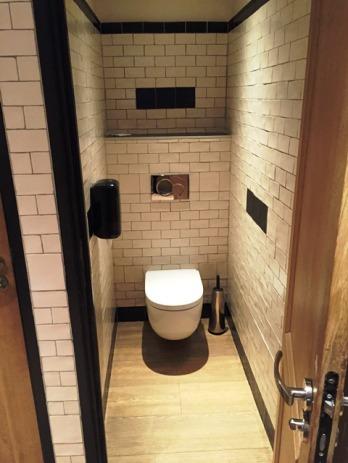 WC suspendu (cabinet de toilettes, 2Bsi Concept